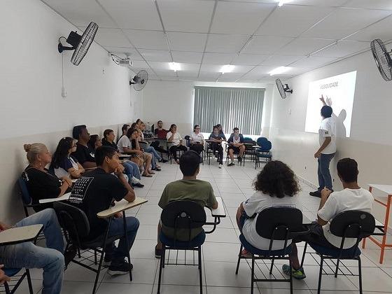 Sala de aula de LIBRAS da Integra Surdos Sorocaba